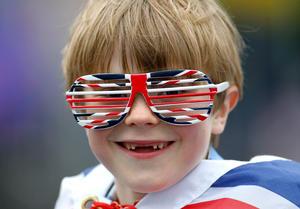 Londinenses de todas las edades difrutaron del histórico desfile.