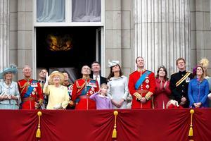 La reina, quien nació el 21 de abril de 1926, celebra su cumpleaños dos veces, el día que nació y después en junio, cuando el clima inglés mejora, una tradición que data del siglo XVIII.