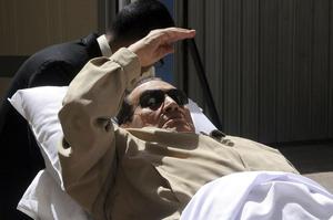 Mubarak, de 84 años, estaba detenido en un ala médica de la prisión de Tora, en el sur de El Cairo, desde que fue condenado a cadena perpetua el 2 de junio pasado.