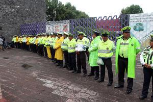 Policías capitalinos mantuvieron dispositivos de seguridad en las inmediaciones de la Comisión Nacional de los Derechos Humanos.