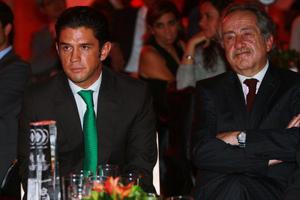 Decio de María presidente de la Liga MX estuvo acompañando a Alejandro Irarragorri, presidente del Santos Laguna en la premiación. (Jam Media)