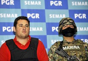 Guzmán Salazar, hijo de María Alejandrina Salazar y de Joaquín Guzmán Loera, cuenta con una orden de aprehensión en Chicago.