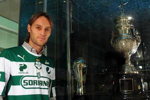 Lugo espera agregar más campeonatos a la vitrina de trofeos en el Estadio Corona.