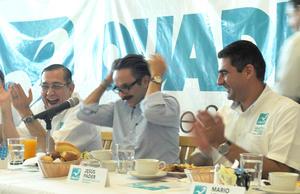 Quadri se 'despeinó' en Torreón para diferenciarse de otros candidatos.