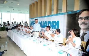 Gabriel Quadri, candidato presidencial del Partido Nueva Alianza, tuvo una gira por Torreón, donde participó en un foro denominado Líderes de Opinión, y luego una reunión con profesores.