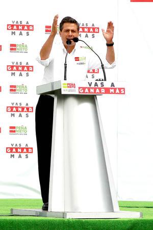 Peña Nieto planteó sus estrategias de campaña sobre empleo, seguridad y cobertura de salud, y además se comprometió a realizar obras en el Estado de México.