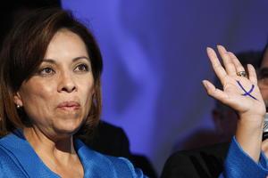 La candidata presidencial del Partido Acción Nacional (PAN), Josefina Vázquez Mota, reconoció que las tendencias de la jornada electoral no la favorecieron y aseguró que respetará los resultados que surjan de las urnas.
