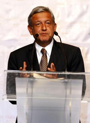 El candidato de la izquierda, Andrés Manuel López Obrador, no quiso reconocer la virtual victoria de Peña Nieto, ni su propia derrota.