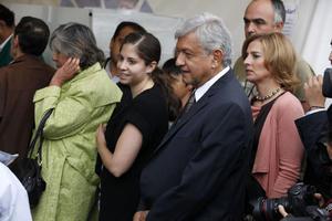 """López Obrador indicó que espera una """"tumultuosa"""" participación de la gente."""