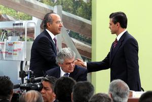 """El pueblo ha tomado una decisión en las urnas """"que todos debemos respetar"""", dijo Felipe Calderón."""