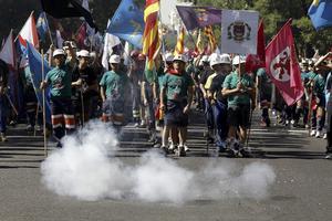 La manifestación en apoyo de la minería del carbón, convocada por los sindicatos, y precedida por la columna de 200 mineros de Asturias, Castilla y León, Castilla La Mancha, Andalucía y Aragón, arrancó desde la madrileña Plaza de Colón con destino a la sede del Ministerio de Industria.