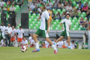 """Apenas al minuto de acción, ya se habían ido adelante en el marcador, luego de un gol del """"Gordo"""" Becerra a pase excelso del panameño Felipe Baloy."""
