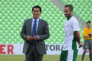 Quienes llegaron barridos al cotejo, fueron el estratega Benjamín Galindo y el portero Oswaldo Sánchez, los cuales estuvieron en la capital del país en la presentación oficial de la Liga MX.