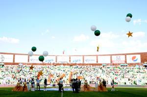 El Estadio Corona registró una entrada de 19,245 aficionados, que gozaron del triunfo de su equipo y de la develación de las cuatro estrellas conquistadas por los Guerreros.