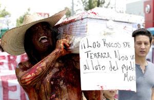 """En Guadalajara miles de personas salieron a las calles para protestar contra la """"imposición"""" de Enrique Peña Nieto como ganador de los comicios presidenciales del pasado 1 de julio"""
