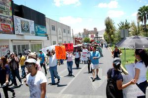 """Con la demanda de que se limpien los resultados de la elección presidencial, inconformes marcharon en la ciudad de México y en 14 ciudades del país en la tercera """"Mega-marcha contra la imposición""""."""
