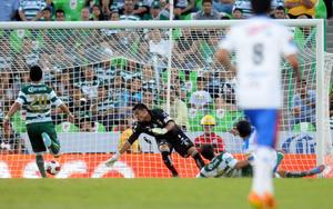 La displicencia de los jugadores locales dio margen para que Puebla se levantara de la lona y le empatara a los laguneros.
