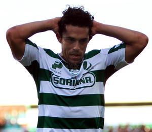 El equipo Santos Laguna no supo aprovechar su ventaja de dos goles y terminó por perder dos puntos, luego que Puebla se esforzó para sacar el empate 2-2.