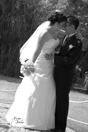 SRITA.  Angélica Nayely García y Sr. Jesús Hernández Cisneros, captados el día de su boda.- Miriam Barker Fotografía.