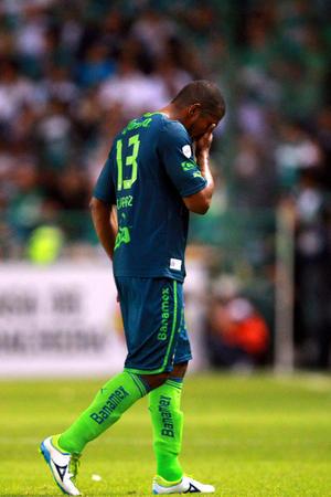Los visitantes fabricaron varias opciones de gol pero las buenas intervenciones de Édgar Hernández y la falta de puntería, les impidió salir con un buen resultado.