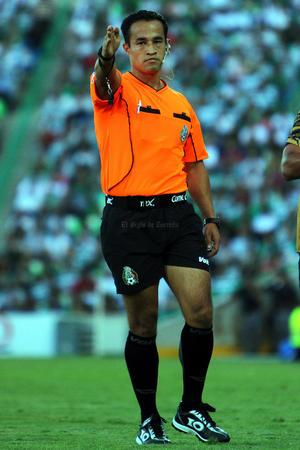 El arbitraje estuvo a cargo de Jorge Isaac Rojas, quien tuvo una regular labor.