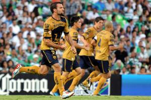 Con doblete de Emanuel Villa, Pumas rompió la racha de siete años sin ganarle a Santos en Torreón.