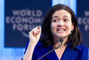 La directora de operaciones de Facebook, Sheryl Sandberg ocupa el décimo puesto de la lista de Forbes.