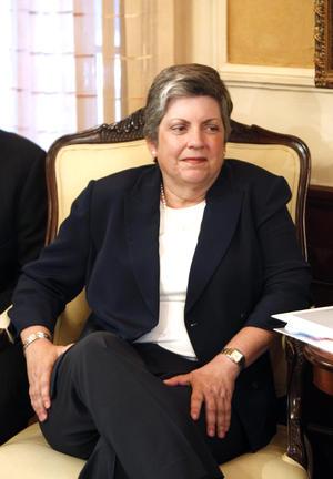 La secretaria de Seguridad Nacional de EU, Janet Napolitano está en el lugar 9 de la lista de Forbes.