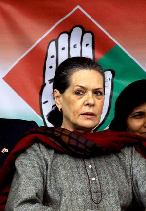 En el sexto lugar se encuentra Sonia Gandhi, presidenta del Partido del Congreso de India.