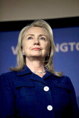 También se aferra este año al puesto de segunda mujer más poderosa del mundo Hillary Clinton, quien según esa publicación ha pasado sus últimos meses como secretaria de Estado lejos de la campaña electoral estadounidense, viajando a un total de 51 países tan solo este año.