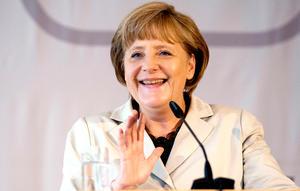 La canciller alemana, Angela Merkel se hace por segundo año consecutivo con el primer puesto del ránking de las cien mujeres con más poder del planeta, una lista compuesta con base en su influencia, su presencia en los medios de comunicación y su poderío económico.