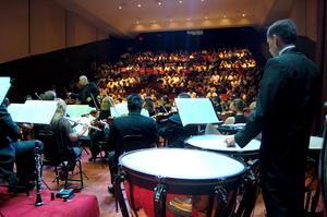 En medio de apalusos y agradecimientos, los asistentes reconocieron a la orquesta coahuilense su concierto, el primer acto cultural que iniciará una nueva historia para el Centauro del Norte.