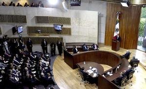 El político mexiquense de 46 años fue declarado ganador de la elección presidencial con 19 millones 158 mil 592 votos, según el cómputo final hecho por el Tribunal, lo que representa 38 por ciento de la votación del 1 de julio.