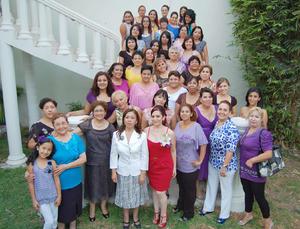 01092012 AMIGAS  y familiares de Ana Edith le desearon lo mejor, para su próximo enlace con