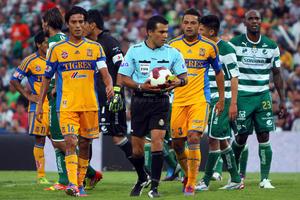 El arbitraje estuvo a cargo de Ricardo Arellano, quien tuvo una buena labor.