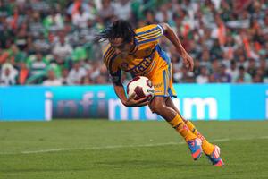 Por los felinos anotó el argentino Lucas Lobos.
