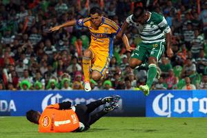 Santos Laguna aseguró los tres puntos en disputa, ante unos felinos que no regalaron nada.