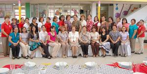 03092012 MAESTRAS  de reconocida institución educativa en un agradable convivió por inicio del ciclo escolar.