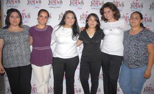 02092012 ALEJANDRA,  Sofía, Liza, Madison, Mony y Mariel, en reciente presentación.