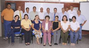 02092012 PROFESORES  de secundarias generales fueron distinguidos con la entrega de notas laudatorias y diplomas por su profesionalismo.