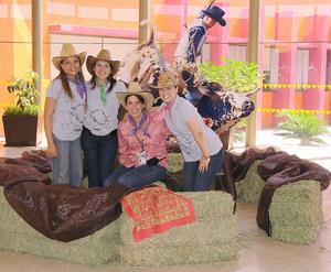 02092012 ALMA  Moreno, Yahaira Gutiérrez, Luly Gallegos y Janeth Rodríguez, celebraron al estilo country el Día del Colaborador en el CRIT Durango.