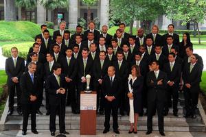 Felipe Calderón recordó que esta es la segunda vez que recibe al equipo de fútbol como campeones, pues la primera fue en 2008.