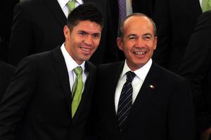 Calderón Hinojosa destacó además el desempeño de Oribe Peralta en la final de futbol de los Juegos Olímpicos de Londres 2012.