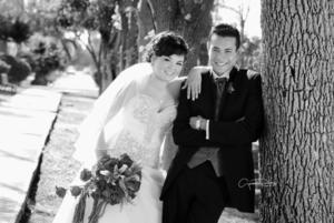 MUY CONTENTOS fueron captados el día de su boda Srita. Mara Noemí Gómez Arreola y Sr. Jonatan Francisco Ramírez Duarte.- Gerardo Rivas Fotografía
