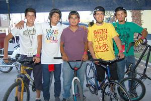 06092012 RICARDO , Raúl, Uriel, Igor y Carlos.