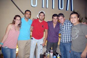 08092012 BESSIE , Benny, Diego, Jorge Luna, Ali y Carlos Olmos.