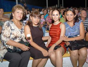 09092012 EN FESTEJO.  María Luisa Castro, Blanca Maltos, Alma Reynoso y Andrea Ruiz.