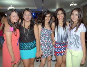 09092012 FESTEJO.  Rocío, Claudia, Ale, Carolina y Ana.