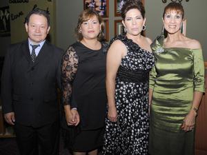 11092012 ÁLVARO  Robles, Patricia García, Monis González y Tulia de la Mora.