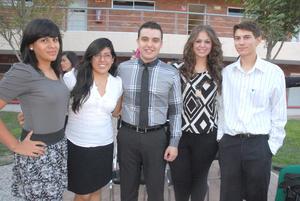 13092012 ILSE  Magallanes, Leslie González, Mariano Flores, Leticia Flores y Ángel Arreola.
